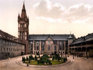 konigsberg_castle_courtyard-1